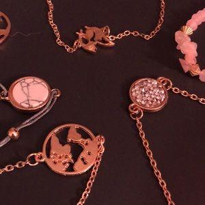 A pack of 6 bracelets (2 world bracelets)